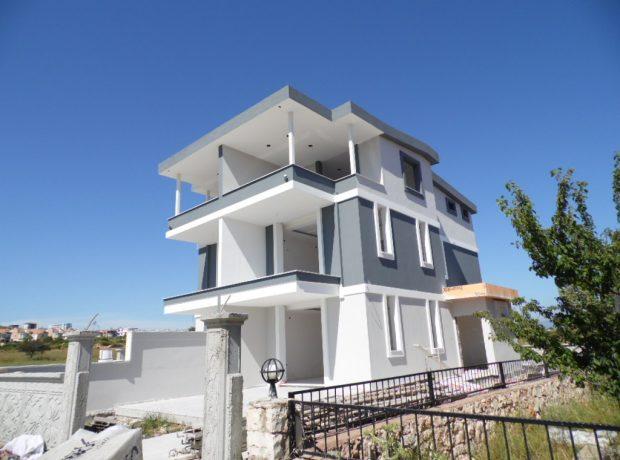 brand new 3 bedroom seperate kitchen villa in Didim