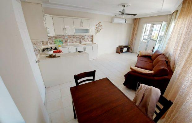 Bargain 2 bedroom dublex in Didim town center.