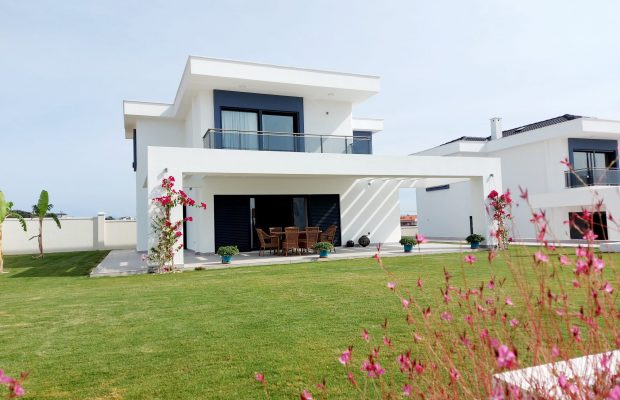 luxury and modern 4 bed villa in prime location of Didim