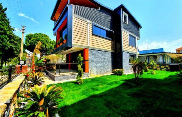 A luxury seafront 4 bedroom villa