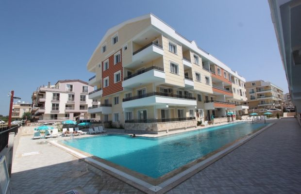 Centraly located fully furnished seperated kitchen 3 bed penthouse