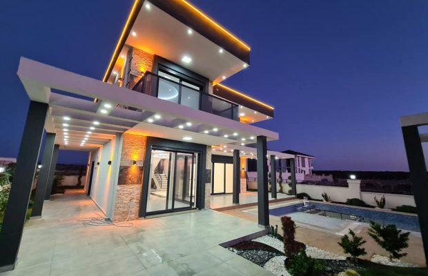 Luxury brand new 4 bed villa